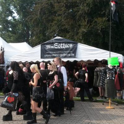 Mini-Gothics beim Amphi Festival 2014