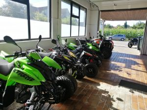 Showroom für große Fahrzeuge