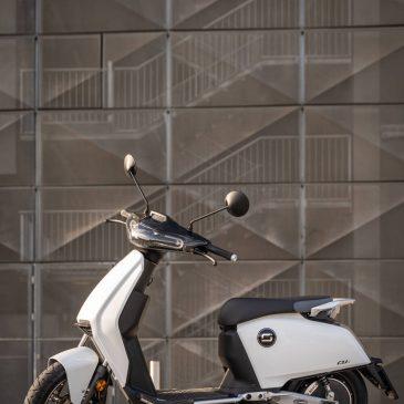 SuperSoco CUx – Elektro Motorroller der 50er Klasse